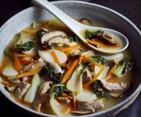 Gemüsesuppe mit Klebreiskuchen (菜汤年糕)