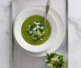 Thai green broccoli and spinach soup