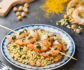 Orzo al curry, gamberi ed emulsione al basilico