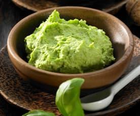 Basilikum-Parmesan-Creme