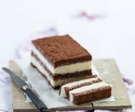 Bolo gelado de chocolate e coco