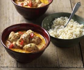 Hühnergeschnetzeltes mit Paprika und Reis