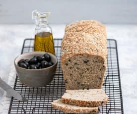 Chleb żytnio-pszenny z oliwkami i bazylią