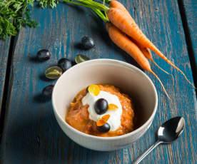 Karotten-Trauben-Gewürz-Kompott mit Vanillecreme