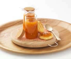Confettura di albicocche all'arancia e mandorle