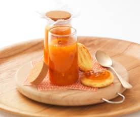 Marmelade d'abricot à l'orange et aux amandes