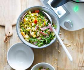 Salade de pois cassés, jambon et pommes