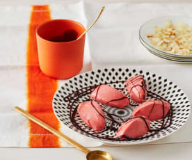 Erdbeer-Sorbet mit Rotweinsirup