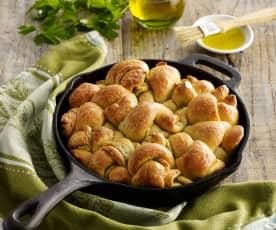 Garlic Pull-Apart Knots