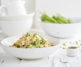 Salada de arroz, ervilhas e camarão