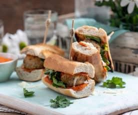 Sandwich z orientalnymi pulpecikami z indyka
