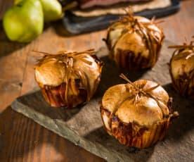 Pãezinhos de bacon com pera e tomilho