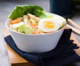 Ramen con pollo y pak choi - Japón