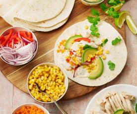 Tortillas au poulet, sauce au yaourt et piment