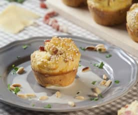 Muffin con pancetta affumicata, Parmigiano reggiano e crema al Gorgonzola