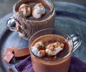 Schokoladensuppe mit Schneeklößchen