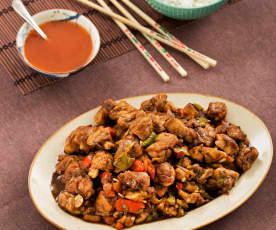 Pollo con verduras estilo cantonés