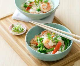 Krewetki w przyprawie pięć smaków z ryżem i warzywami