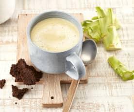 Brokkolistrunksuppe mit Kaffee-Crackern