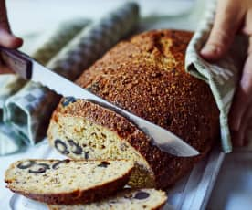 Tomaten-Oliven-Brot