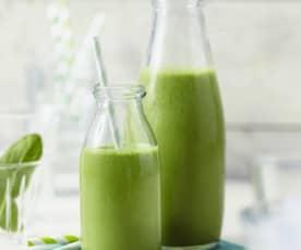 Grüner Smoothie mit Ananas und Erdnuss