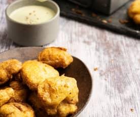 Nuggets de frango com dip de parmesão