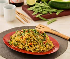 Fideos chinos con curry y vegetales