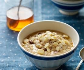 Apfel-Zimt-Porridge mit Sultaninen