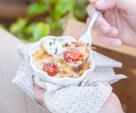 Clafoutis aux tomates cerise, quenelle de fromage frais