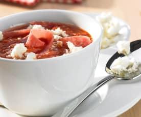 Tomatensuppe mit Salami und Feta