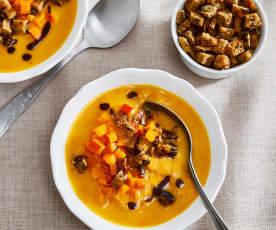 Süßkartoffel-Kürbis-Suppe mit Kräutercroûtons