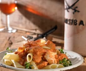 Penne mit Thunfisch-Bolognese