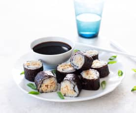 Sushi picante de atún (Spicy tuna roll)