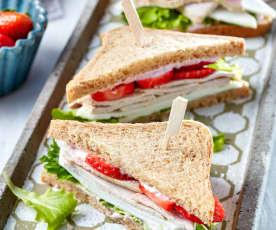 Erdbeer-Sandwich mit Putenfleisch