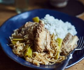 Rippchen mit Sauerkraut (排骨炖酸菜)