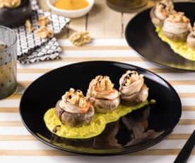 Champignon ripieni con gamberi su crema di curcuma