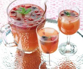Sangria de vinho rosé com frutos silvestres
