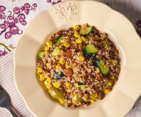 Quinoa e lenticchie con zucchine e uvetta