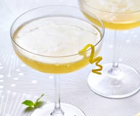 Lemon and ginger Prosecco cocktail