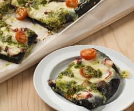 Pizza nero di sepia con pulpo y pesto de almendra