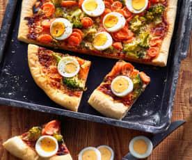 Gemüsepizza mit Ei