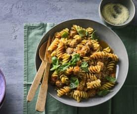 Pasta mit Mettbällchen und Auberginen-Sugo