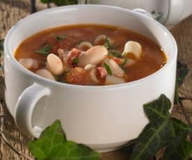 Bohnensuppe mit Nudeln