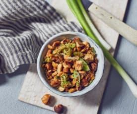 Haselnuss-Crunch mit Lauchzwiebeln