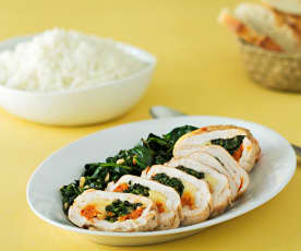 Pechugas de pollo con sobrasada, queso de Mahón y espinacas