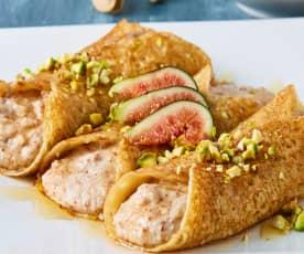 Crepas sin gluten rellenas de crema de almendras, pistaches e higos