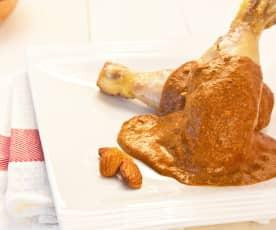 Pollo con mole almendrado