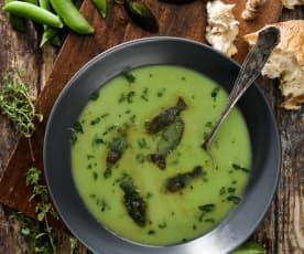 Studená hrášková polévka s bylinkovými ledovými kostkami