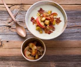 Pastinaken-Porree-Suppe mit Sirup-Äpfeln und Knusperbacon
