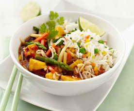 Julienne-Gemüse mit Basmati und süß-saurer Sauce